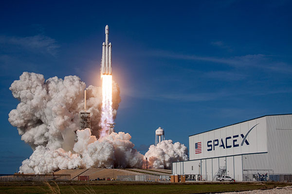 Falcon Heavy launching