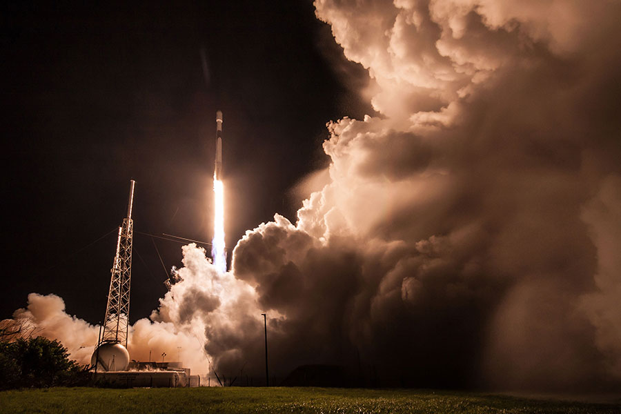 Falcon 9 Rocket Launch from Kennedy Space Center